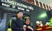 Gia đình, đồng nghiệp nghẹn ngào đưa tiễn nhạc sĩ Hoàng Vân