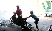 Rủ bạn gái đi chùa để lấy trộm xe máy
