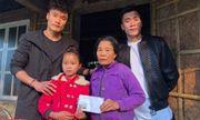 Dàn cầu thủ U23 đón Tết: Làm từ thiện, ra chợ bán thịt lợn giúp mẹ