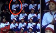 Cổ động viên Triều Tiên bị nhắc nhở do vỗ tay nhầm cho người Mỹ