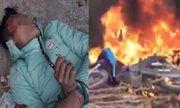 Nam thanh niên đi trộm chó bị đánh ngất xỉu, đốt xe máy