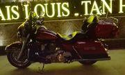 Cận cảnh siêu mô tô Harley có giá 1,8 tỷ đồng trên đường phố Hà Nội