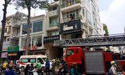 Nam thanh niên bị thang máy tòa nhà ở Sài Gòn kẹp đầu