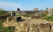 Tìm ra nghi phạm phá hoại hơn 20 ngôi mộ ở Huế