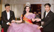 Tân Nữ Hoàng Trần Huyền Nhung đấu giá từ thiện thành công trong đêm Gala tôn vinh.
