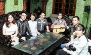 Học trò đến biệt thự riêng nghe Ngọc Sơn hướng dẫn hát bolero