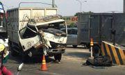 Xe tải tông trạm BOT cầu Đồng Nai, nhân viên thu phí chạy tán loạn