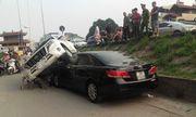 Clip: Hiện trường vụ Land Cruiser mất lái đè nát đầu xe Camry đang đỗ bên đường
