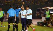 HLV Trần Minh Chiến bị cấm chỉ đạo hai trận ở V-League vì phản ứng trọng tài