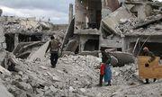 """IS chạy khỏi thủ đô Syria sau """"cơn mưa"""" hỏa lực"""