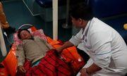 Tàu SAR 412 kịp thời đưa thuyền viên bị bệnh nặng trên biển về đất liền