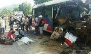 Bình Định: Ôtô khách va chạm xe tải, 2 trẻ em thiệt mạng