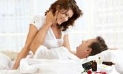 """Khó """"yêu"""" sau khi sinh: Mẹ có nên sử dụng chất bôi trơn?"""