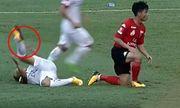 Những pha va chạm khiến cầu thủ Việt Nam gặp chấn thương nặng tại
