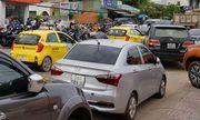 Hơn 1.000 taxi