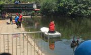 Hà Nội: Lao xuống hồ Thiền Quang cứu cháu, cụ ông đuối nước tử vong