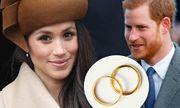 Hoàng tử Harry phá vỡ truyền thống bằng cách chọn đeo nhẫn cưới