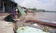 Cần Thơ: 5 căn nhà đổ xuống sông trong tích tắc do sạt lở