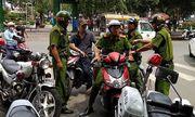 Nữ du khách bị 2 tên cướp giật túi xách giữa trung tâm Sài Gòn