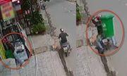 """Clip: Hai thanh niên đi bẻ trộm khóa thùng rác cực kỳ """"điêu luyện"""""""