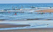 Tắm biển, 2 nam sinh đuối nước tử vong