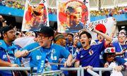 Cổ động viên Nhật Bản dọn rác trên khán đài sau trận đấu với Colombia khiến cộng đồng mạng khâm phục