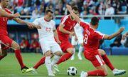 """""""Nổ súng"""" ở phút 90, Shaqiri giúp Thụy Sĩ vượt qua Serbia"""