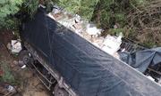Tin tai nạn giao thông mới nhất ngày 25/6/2018: Tài xế ngủ gật, xe tải lao xuống cầu khiến phụ xe tử