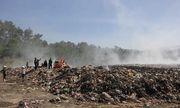 Hậu vụ cháy bãi rác, hàng chục người nhập viện vì ngộ độc