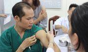 Chủ động chích ngừa cúm A/H1N1 cho 2.300 y bác sĩ Bệnh viện Chợ Rẫy