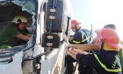 Sắt công trình đâm xuyên ô tô, tài xế tử vong