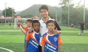 Huấn luyện viên đội bóng Thái Lan đã được đưa ra khỏi hang