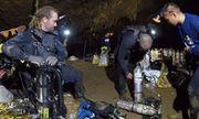 Đội cứu hộ cần 78 bình oxy cho mỗi đợt giải cứu đội bóng Thái Lan