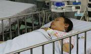 8 giờ căng thẳng cứu bệnh nhi 13 tuổi nôn ra máu ồ ạt