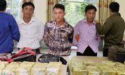 Cảnh sát mai phục, bắt nhóm vận chuyển thuê 25 kg ma túy lấy hơn 200 triệu