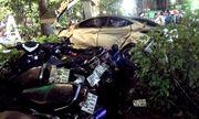 Ô tô lao vào quán cà phê, tông chết 2 nữ sinh