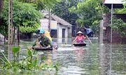 Người dân ngoại thành Hà Nội bị bủa vây trong