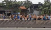 Video: Hàng trăm học viên cai nghiện ma túy trốn trại, gây náo loạn quốc lộ 1