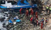 Peru: Xe buýt lao xuống vực sâu, 60 người thương vong