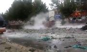 Clip: Cận cảnh vụ nổ xe hóa chất khiến cửa kính tòa nhà vỡ vụn, nhiều người bị thương