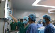 Lần đầu tiên sử dụng máy tim phổi nhân tạo để mổ u gần tim bệnh nhân