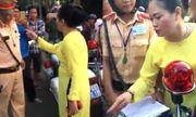 Đút lót 500.000 đồng không được, người phụ nữ lớn tiếng lăng mạ CSGT