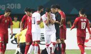 Cầu thủ Olympic Bahrain bật khóc vì bị truất quyền thi đấu sau màn chơi xấu