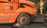 Hải Phòng: Đôi nam nữ bị cuốn vào gầm container, 1 người tử vong