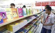Trăn trở của phụ huynh về nhiều cuốn sách giáo khoa chỉ dùng 1 lần gây lãng phí
