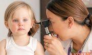 Trẻ bị viêm tai giữa ngày càng nặng nếu mẹ không biết kiêng ăn gì?