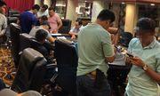 Đột kích CLB Poker Flush, bắt quả tang hàng chục người đang sát phạt