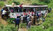 Ấn Độ: Xe buýt lao xuống vực sâu, ít nhất 45 người thiệt mạng