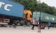 Hai anh em ruột thương vong trong ngày giỗ mẹ vì va chạm container