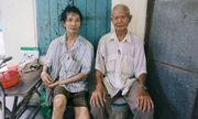 Cuộc sống tủi cực của người lão chờ mua cơm đại hạ giá 10 nghìn về nuôi con bại liệt